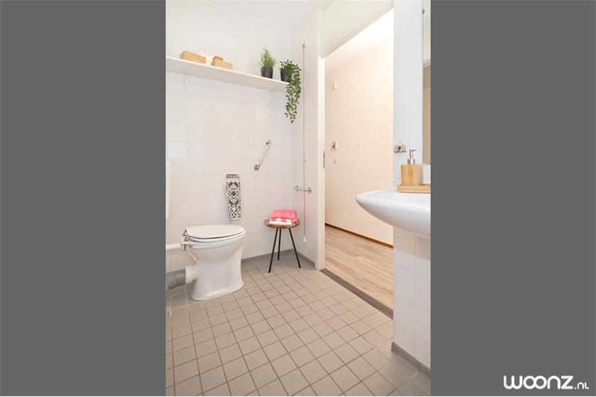 11-Rademakerstraat-63-toilet