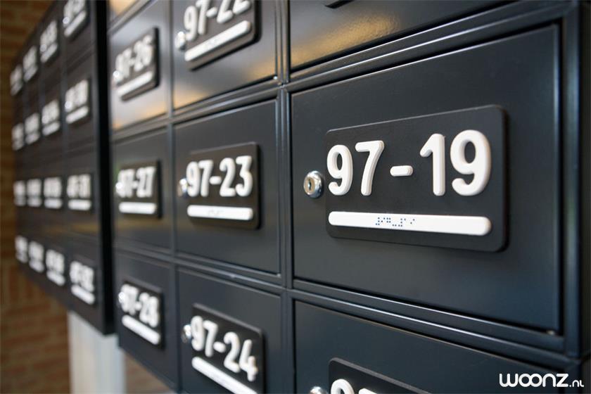 Huisnummer in relief en braille