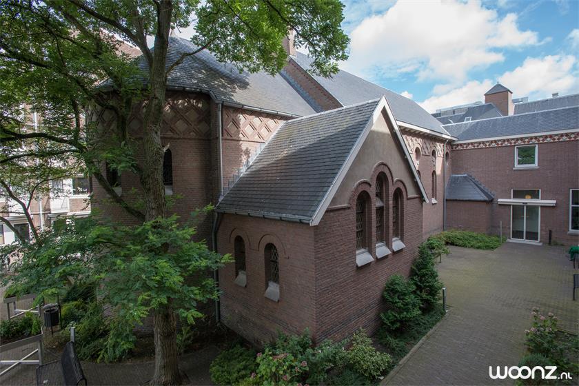 kapel gezien vanuit de binnentuin Huize Eykenburg